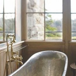 Luxe Lavs: Hotel Bathtubs With Room for Two